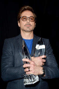 robert-downey-jr-pca-award-getty